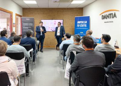 Ignacio Martínez Director de Comunicación y Desarrollo de Negocio acompañado de Juan Francisco Torres Account Manager de Sage